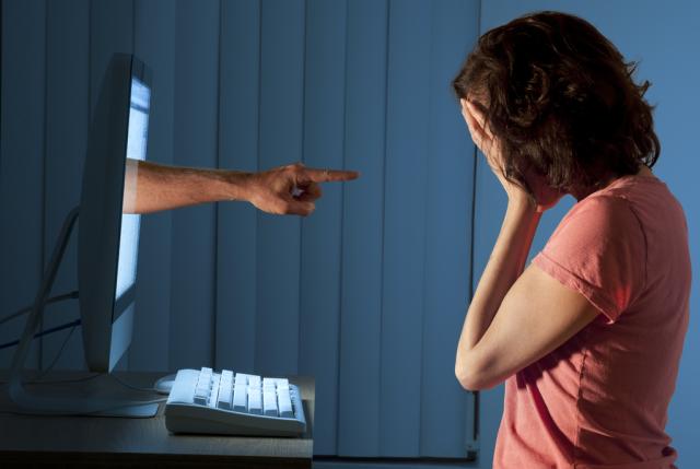 Delito de injurias y calumnias a través de las redes sociales